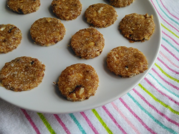 Healthy vegan no bake cashew cookies LIsa Hughes