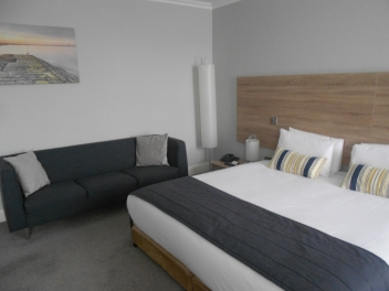 The Sandymount Hotel Dublin 4 hotel bedroom