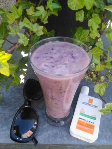 smoothie-recipe-blueberry-pineapple